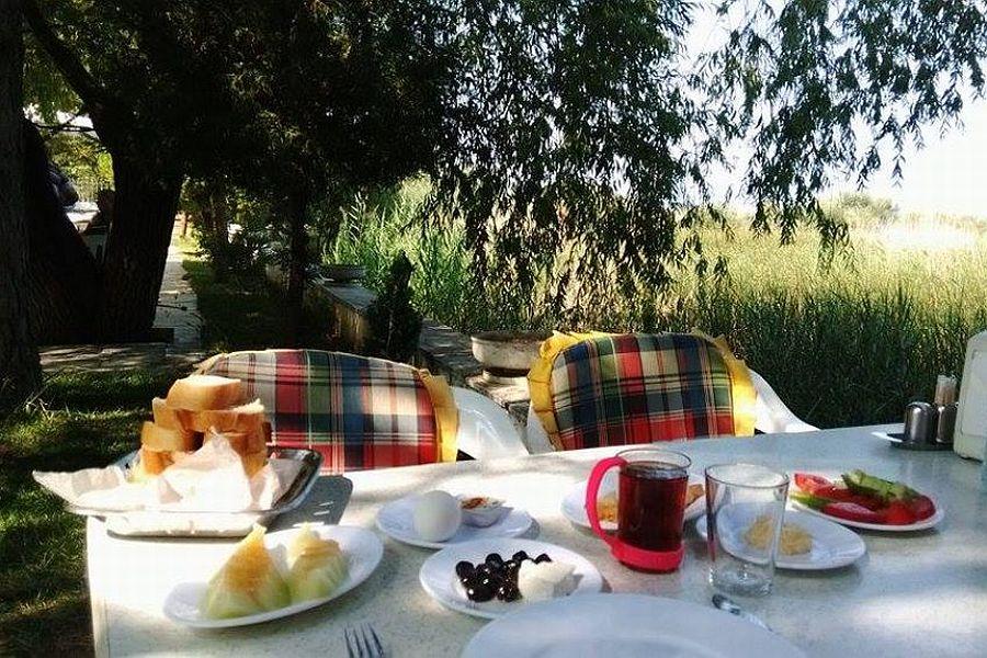 Beyşehir Göker Restaurant Kamping